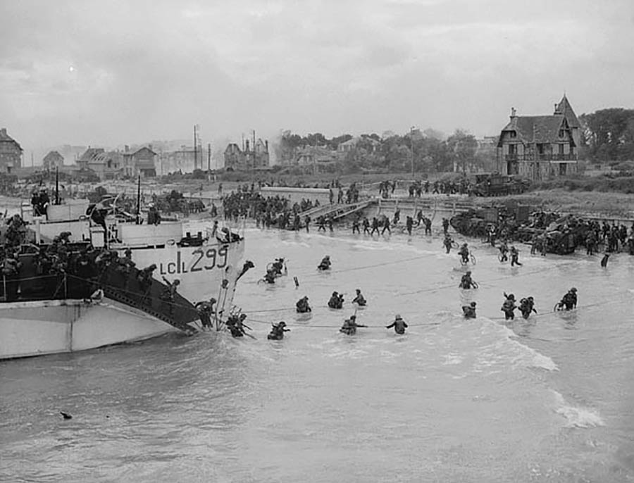 Members of the 9th Canadian Infantry Brigade landing in France on D-Day, June 6, 1944.