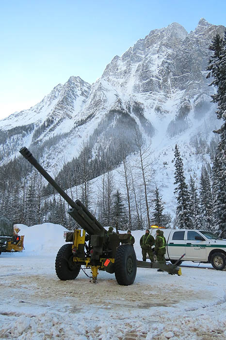 A C3 105mm Howitzer Detachment at Rogers Pass, British Columbia during Annual Avalanche Control operations on January 1, 2015. ©2017 Parks Canada.