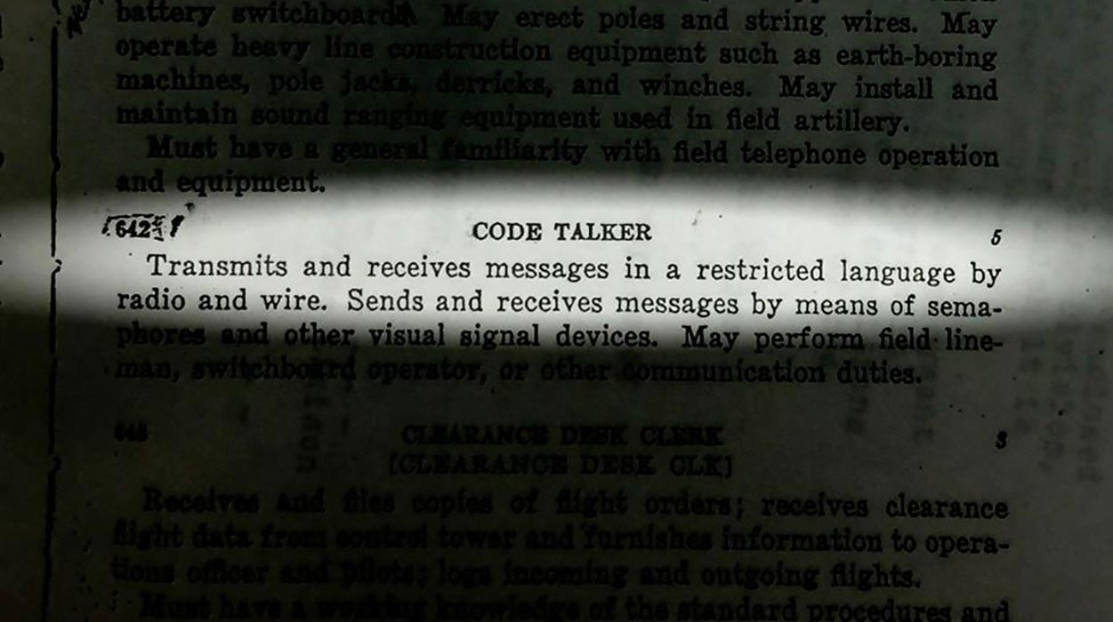 Une définition de « transmetteur en code » tirée d'un document utilisé dans le documentaire « Hear the Untold Story of a Canadian Code Talker from World War II.