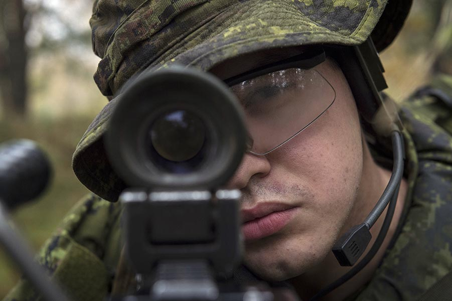 Defence Research and Development Canada is looking at the ways lasers can improve target engagement. Photo: Corporal Jay Ekin, Operation REASSURANCE Land Task Force Imagery Technician. ©2019 DND/MDN Canada.