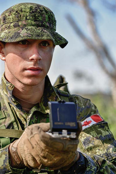 Trials recently conducted by Defence Research and Development Canada collected data on how soldiers process the increasing amounts of data the must process in the field. Photo: Corporal Nathan Moulton, Valcartier Imaging Services. ©2019 DND/MDN Canada.