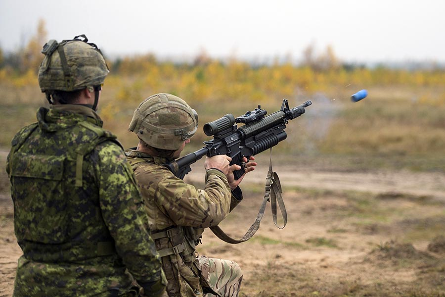 Defence Research and Development Canada recently completed trials looking at ways to improve the accuracy of grenade launchers. Photo: Master Corporal Gerald Cormier, eFP BG LATVIA PUBLIC AFFAIRS