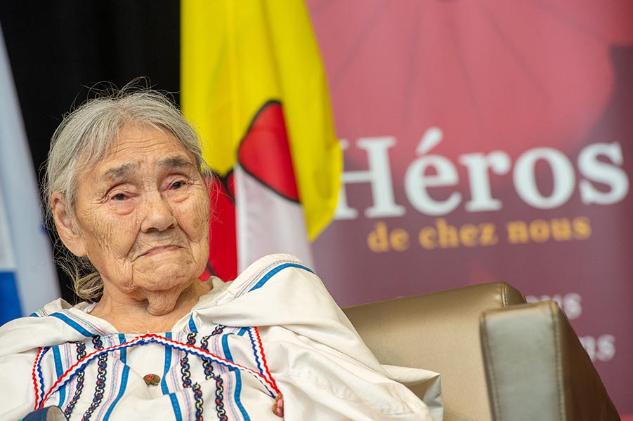 Inuk Elder, Qapik Attagutsiak, was honoured as a Parks Canada Hometown Hero at the Canadian Museum of History on January 27, 2020 for her efforts during the Second World War. Photo Credit: Private Jonathan King, Canadian Forces Support Unit (Ottawa) Imaging Services. © 2020 DND-MDN Canada.